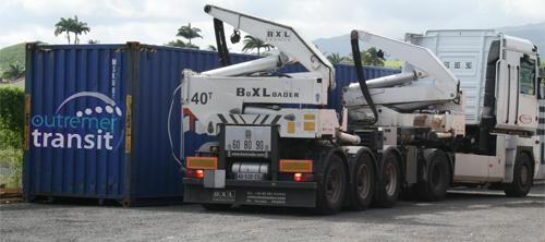 Chargement de conteneur avec camion Rolltainer